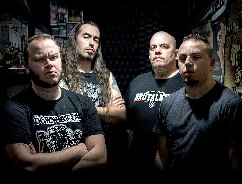 Blackning: baixista Francisco Stanich deixa a banda; substituto é Ricardo Brigas (Worst)